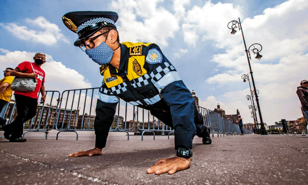 Pablo Ramírez, policía mexicano y atleta paralímpico, quien venció a un instructor de gimnasio en lagartijas